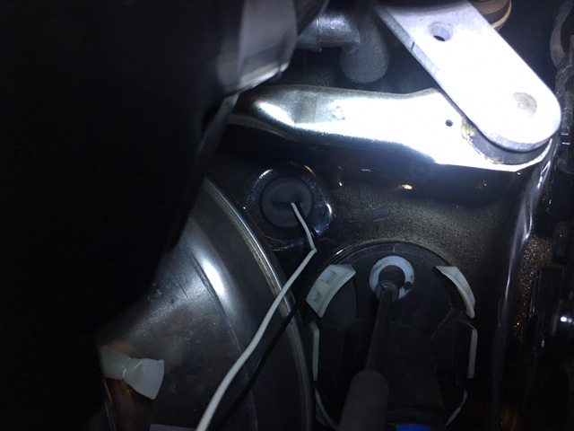 F60 Auxiliary Light Kit Installation Guide on